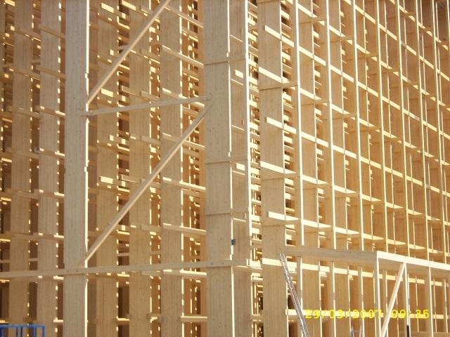 En ambientes agresivos construya con madera koto ingenieros - Estructura de madera para cubierta ...