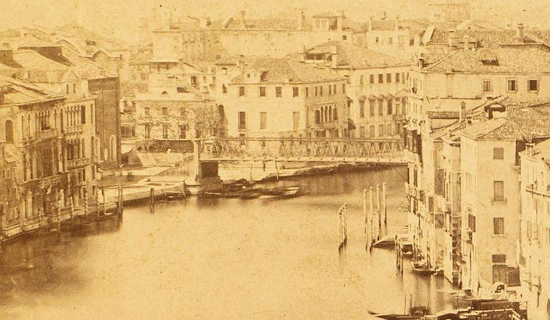 800px-XIX_century_Venice_Ponte_Academmia